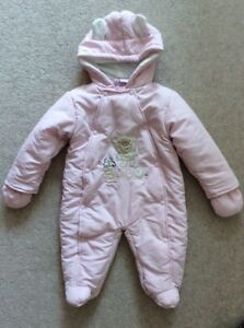 404953bd1 NEW BABY GIRLS ROCK A BYE BABY PINK WINTER ALL IN ONE SNOWSUIT AGE 9 ...