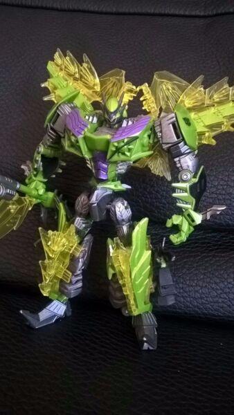 Takara Tomy Transformers Aoe Custom Snarl Deluxe Ad28 Carattere Aromatico E Gusto Gradevole