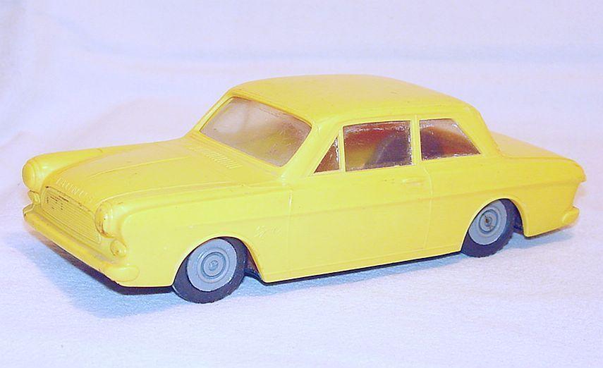 Ford taunus 12 m limousine lendulet lemezarugyari 1 28 zinn - kunststoff - auto nm ` 65