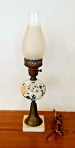 Antique-Vintage-Floral-Hand-Painted-Milk-Glass-amp-Brass-Table-Lamp