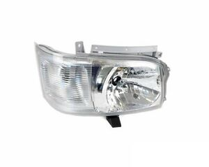 Toyota-Hiace-van-right-hand-headlight-assembly-brand-new-2005-2010