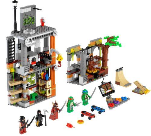 Lego TMNT 79103 TURTLE LAIR ATTACK Ninja Minifigs NISB Xmas Present Gift
