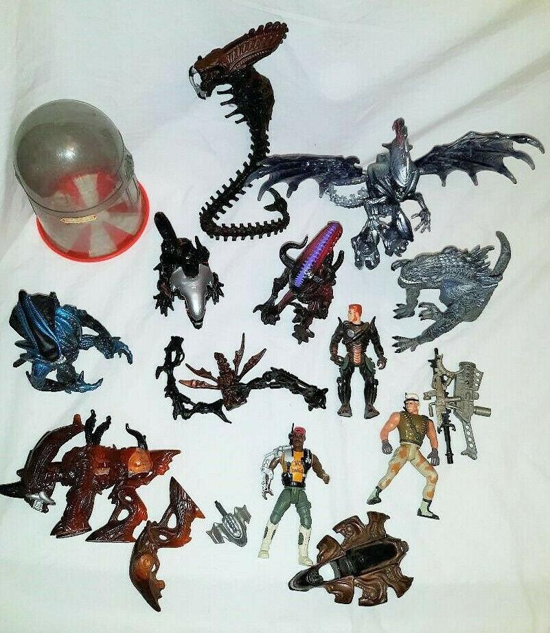 Aliens Movie Vintage Toys 12+ pieces Trendmasters Kenner ++