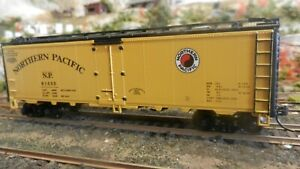 Athearn-Ltd-Run-HO-Steel-Side-Ice-Reefer-Northern-Pacific-Yellow-Upgraded-Exc