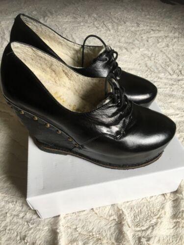 Irregular Choice Zapatos de cuña de invierno cálido de cuero genuino Size UK 7/40