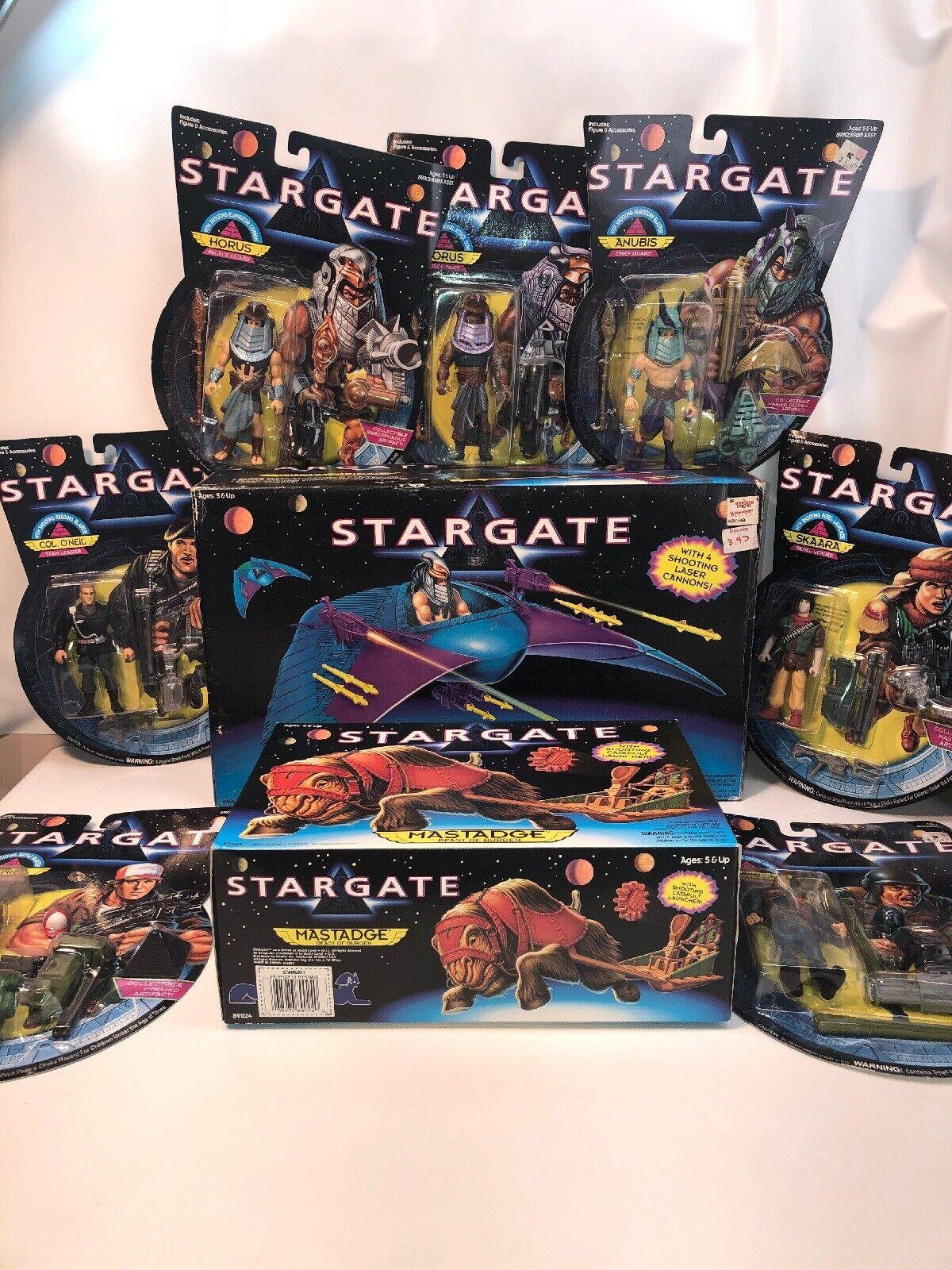 1994 Estrellagate Moc 7 Figuras Con Alas Planeador mastadge Set Completo Casi Nuevo En Caja Anubis