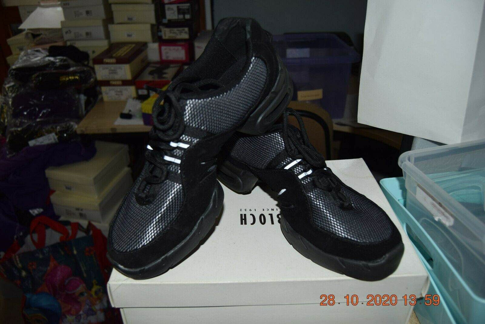 Black and Silver Bloch Boost SO538 jazz dance sneakers/trainers - size Adult 10