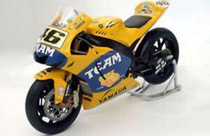 MINICHAMPS VALENTINO ROSSI 1//12 YAMAHA MOTOGP 2005 LIVERY GO!!! WORLD CHAMPION