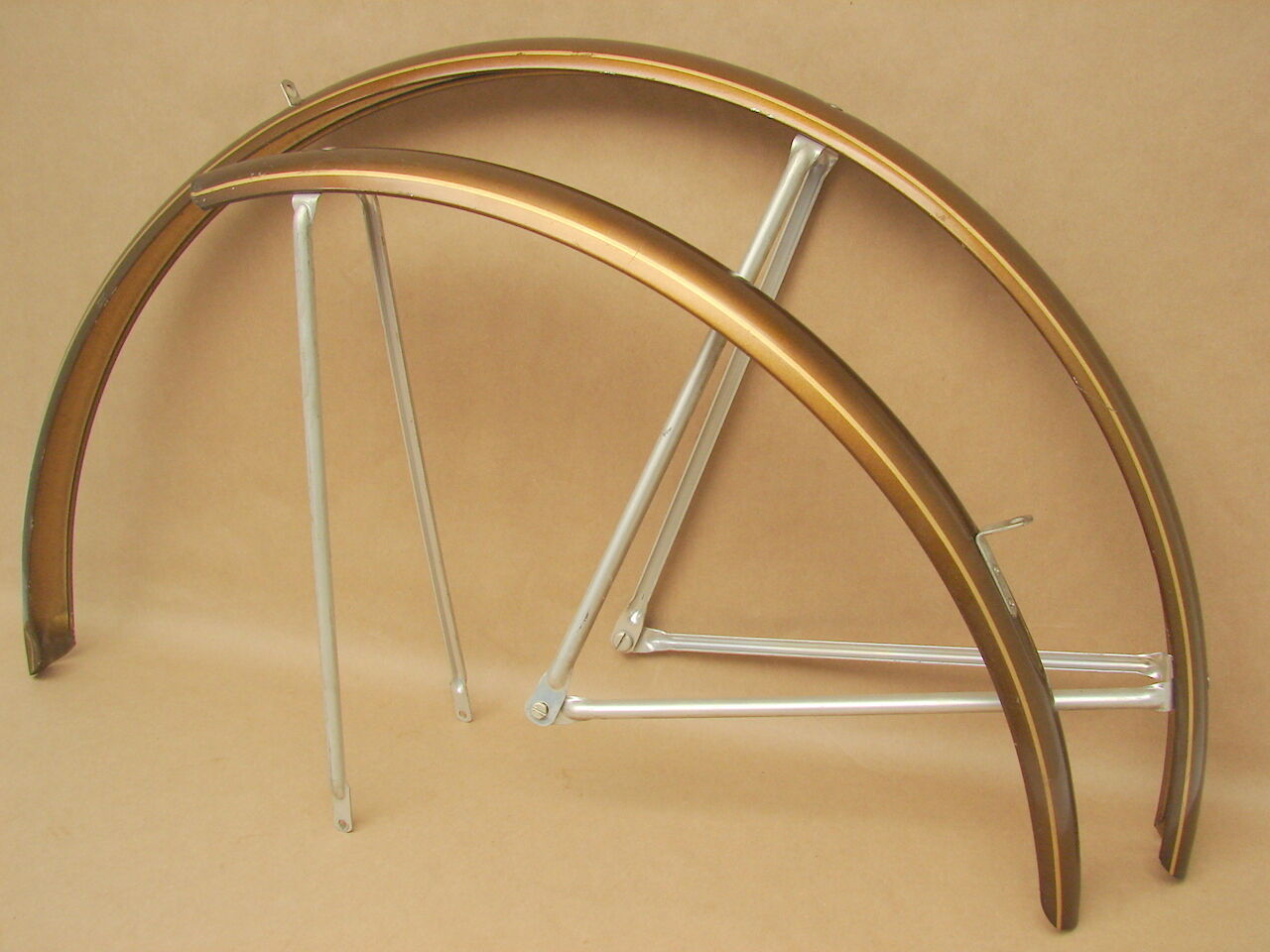 Vintage NOS Schwinn Bicycle Sierra Brown w  gold Stripes Fender Set