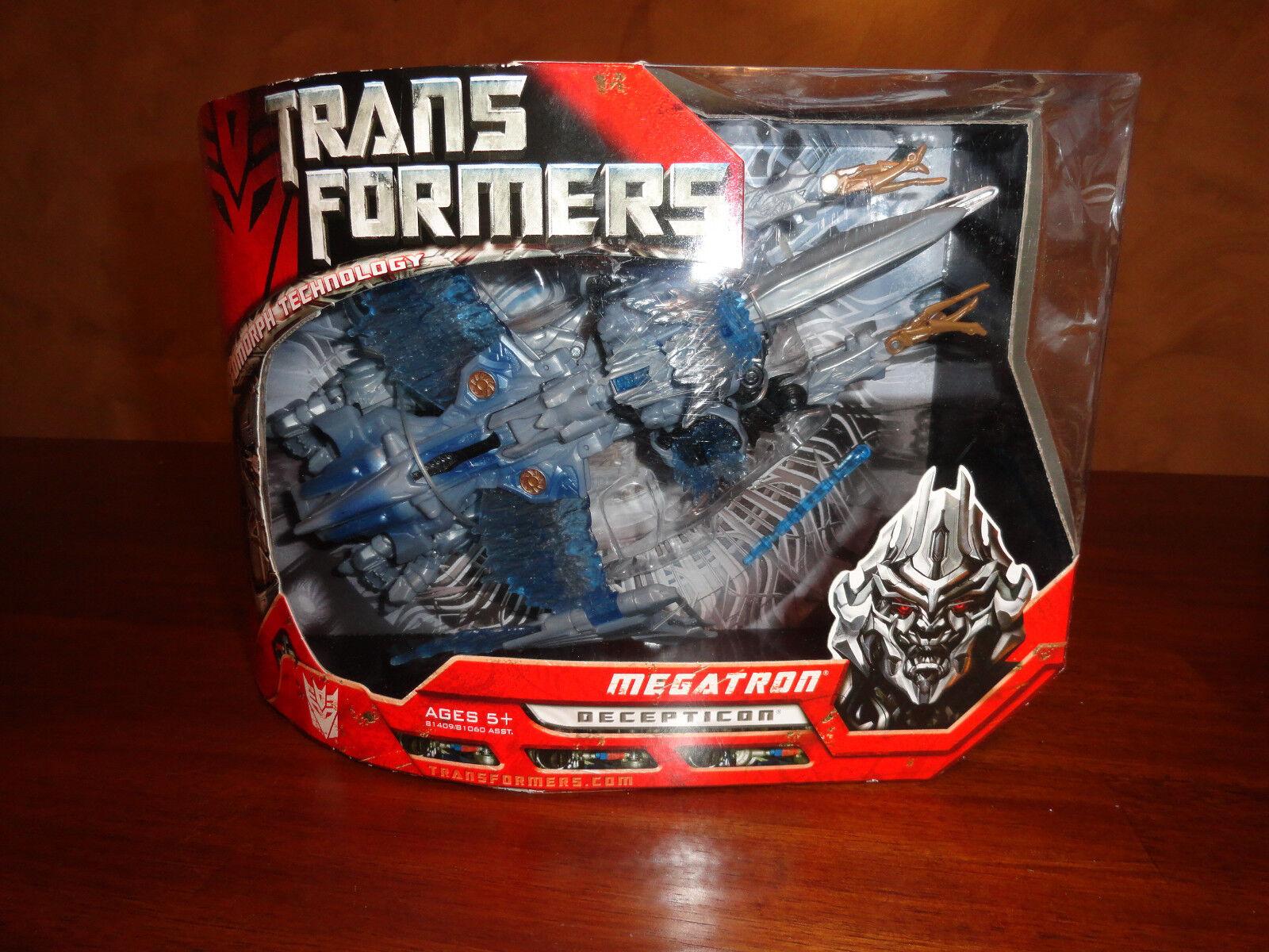 Brand New Hasbro Transformers Voyager Class Decepticon Megatron Cybertron