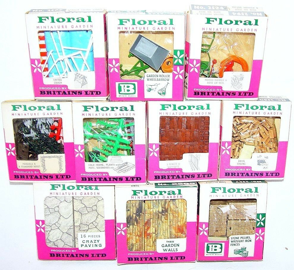 10x Britains Ltd 1 32 FLORAL MINIATURE GARDEN & TOOLS & FUNITURE Set MIB`74 RARE