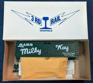 Athearn-3rd-Rail-HO-Scale-Mars-MILKY-WAY-Woodside-Reefer-boxCar-Kit-GREEN