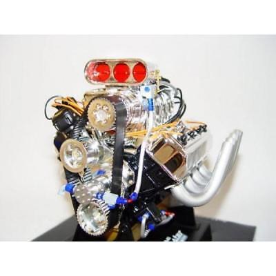 Standmodell Figur #28 Modell Motor V8 Supercharged 426 Hemi Top Fuel Dragster