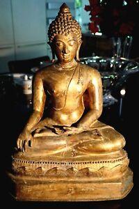 Beautiful-Early-Chiang-Saen-Gilt-Bronze-Buddha