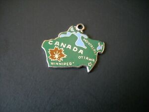 Vintage-Wells-Sterling-Silver-Dark-Green-Enamel-Charm-Canada-Maple-Leaf
