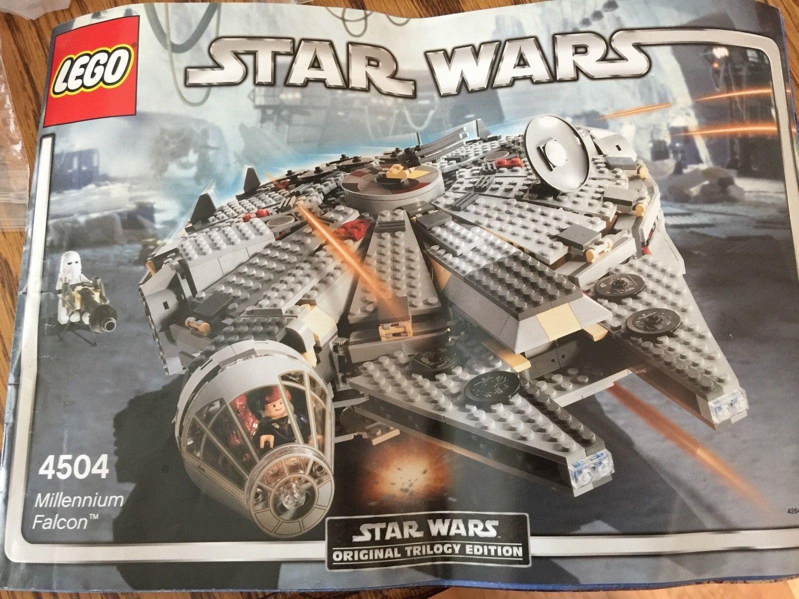 LEGO 4504 Star Wars Wars Wars Millennium Falcon Original Trilogy Set 985 Pieces fe22a1
