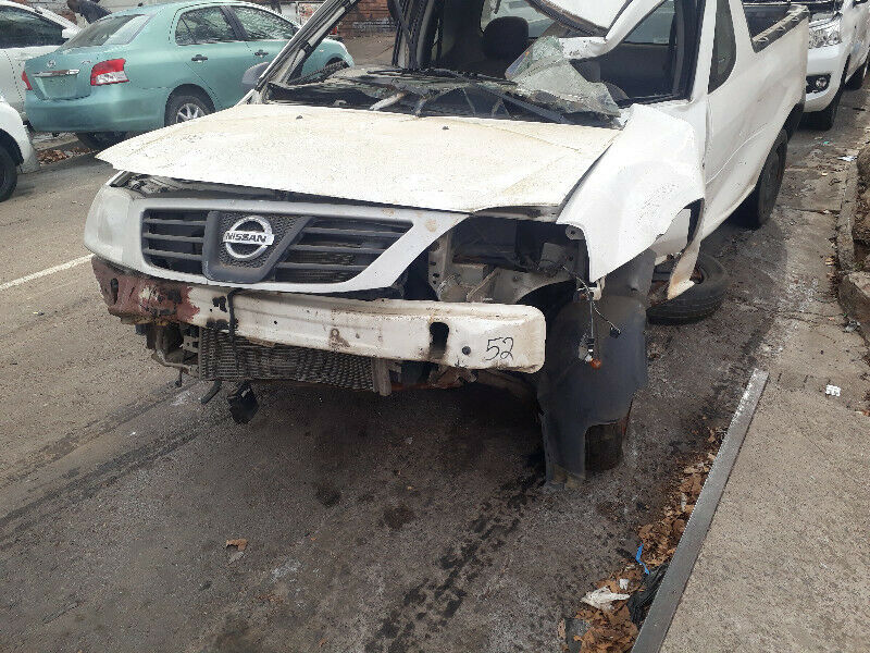 2015 NISSAN STRIPPING NP 200.