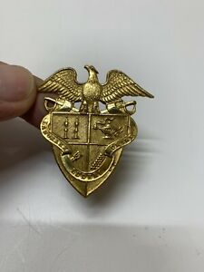Vintage-St-John-039-s-Northwestern-Military-Academy-Hat-Badge-Laborare-Ludere-Orare