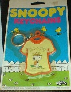 Vintage-Peanuts-Snoopy-Beagle-Scout-KeyChain-By-Aviva-Hard-To-Find