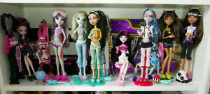 MONSTER-HIGH-DEAD-TIRED-Draculaura-Clawdeen-Ghoulia-Yelps-Cleo-Frankie-vannes