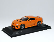 Lexus LFA 2011 - orange - Minichamps 400166020 1:43