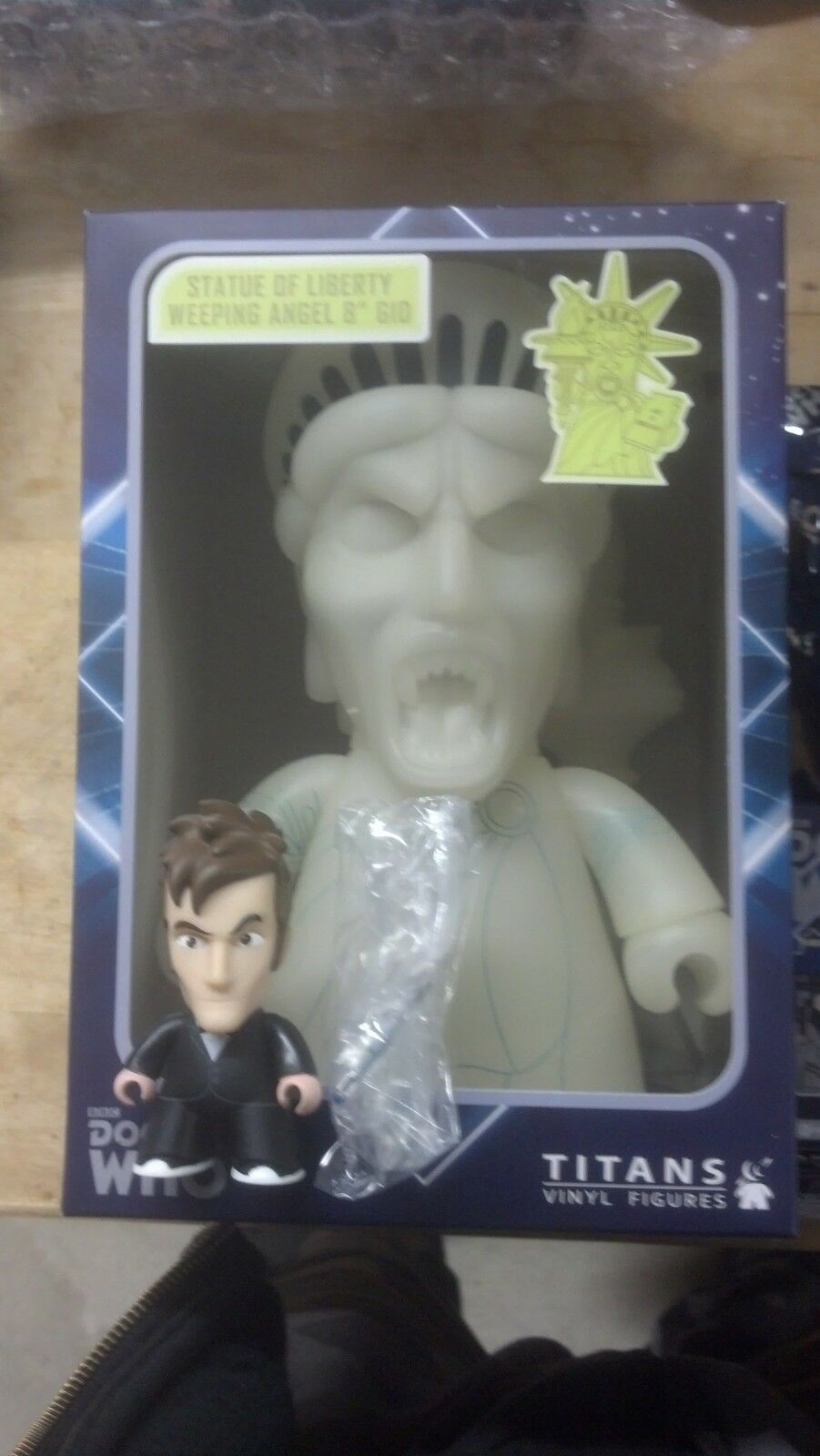 NYCC 2013 Doctor Who Tuxedo Mini Exclusive + Statue of Liberty Weeping Angel GID
