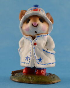 APRIL SHOWERS by Wee Forest Folk, WFF# M-180, PATRIOTIC LTD Retired 2001