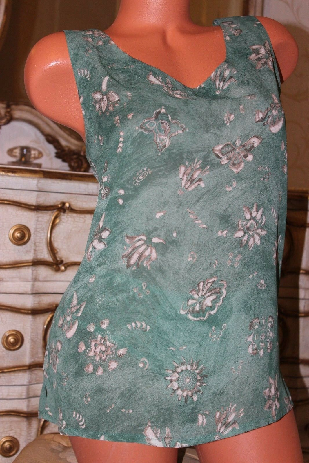 (Ref 16) JACQUES green Green Mix Floral Patterned Ladies top vest size 16