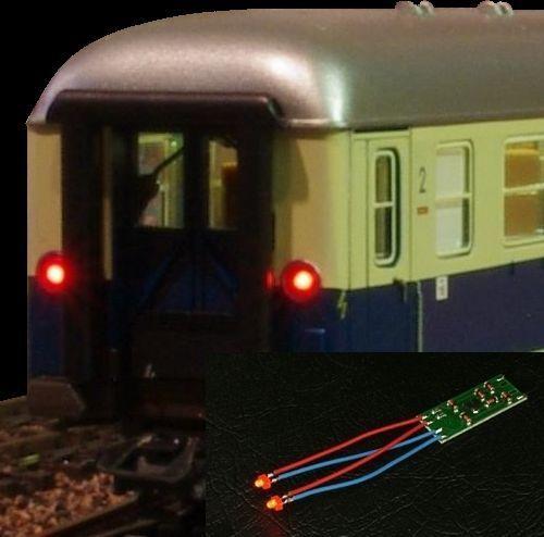 Luce posteriore per vagoni  2 led rossi completi di basetta già cablati