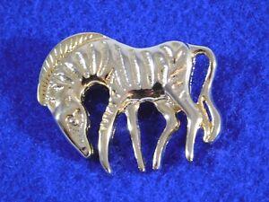 Vintage-Zebra-Brooch-Pin-Gold-Tone-Shiny-Figural
