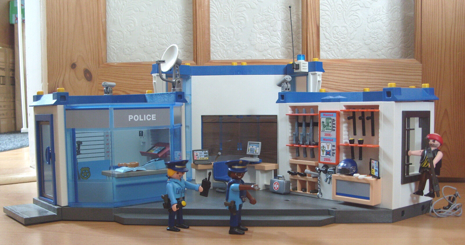 Playmobil 100% Complete Set 4264 Large Police Station Headquarters