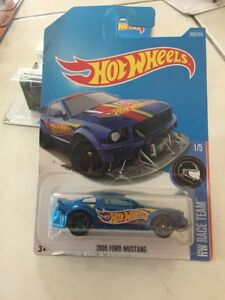 Hot-wheels-Hotwheels-2005-Ford-Mustang-NEW