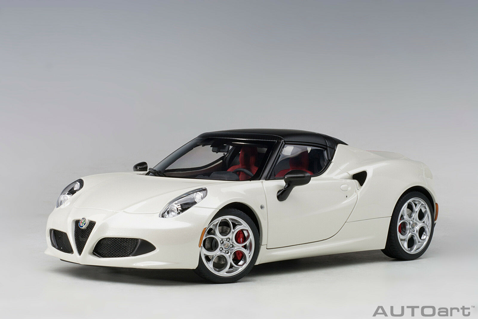 70141 alfa romeo 4c spider (bianco trofeo   weiß) 1,18 autoart