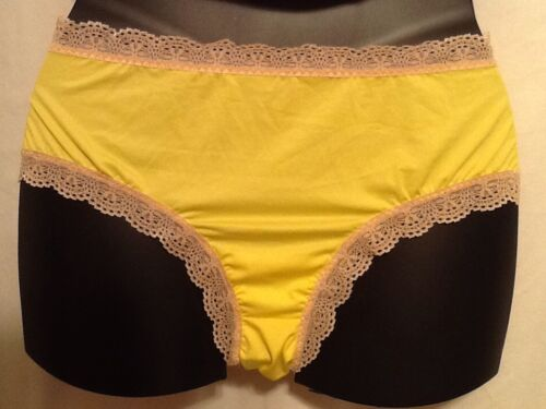Fredericks Of Hollywood Hipster Plus Polyester Panty Yellow Pink Black New Nwot