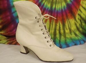 7-7-5-vintage-90s-cream-leather-NINE-WEST-cuffed-lace-up-ankle-boots-heels-shoes