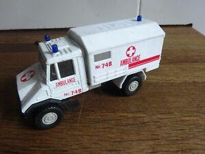 Welly-Ambulance-truck-no-9618
