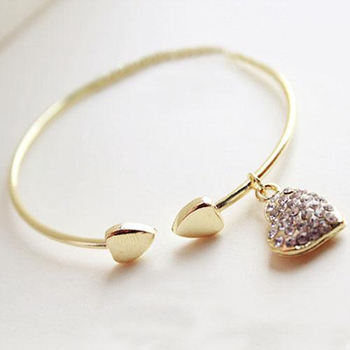 Shining Rhinestone Sweet Love Heart Hollow Bracelet Crystal Bangle Wristband New