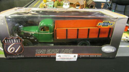 DCP#50190 HIGHWAY HWY 61 1946 CHEVROLET CHEVY STAKE FLAT BED GRAIN TRUCK 1:16//PC