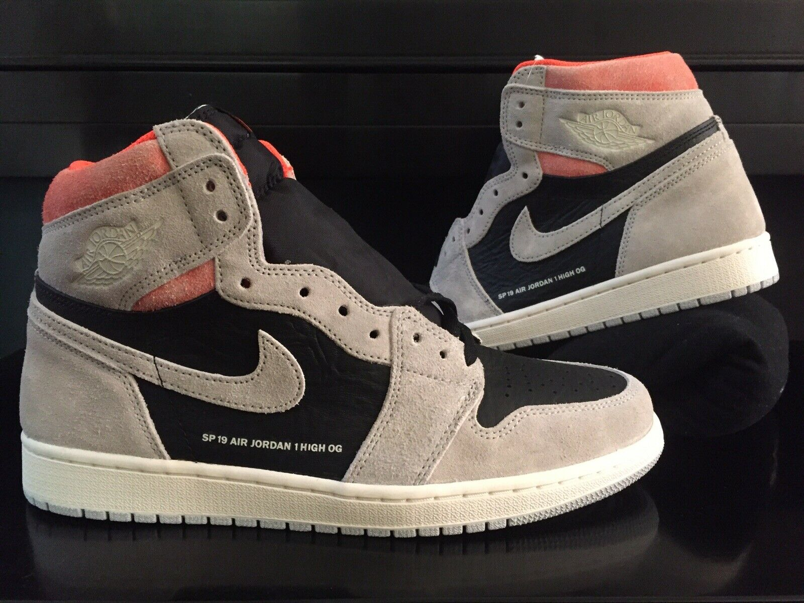 915cae476e08 NIKE AIR JORDAN RETRO 1 HIGH OG NEUTRAL GREY BLACK SP 19 QS HYPER CRIMSON  10.5