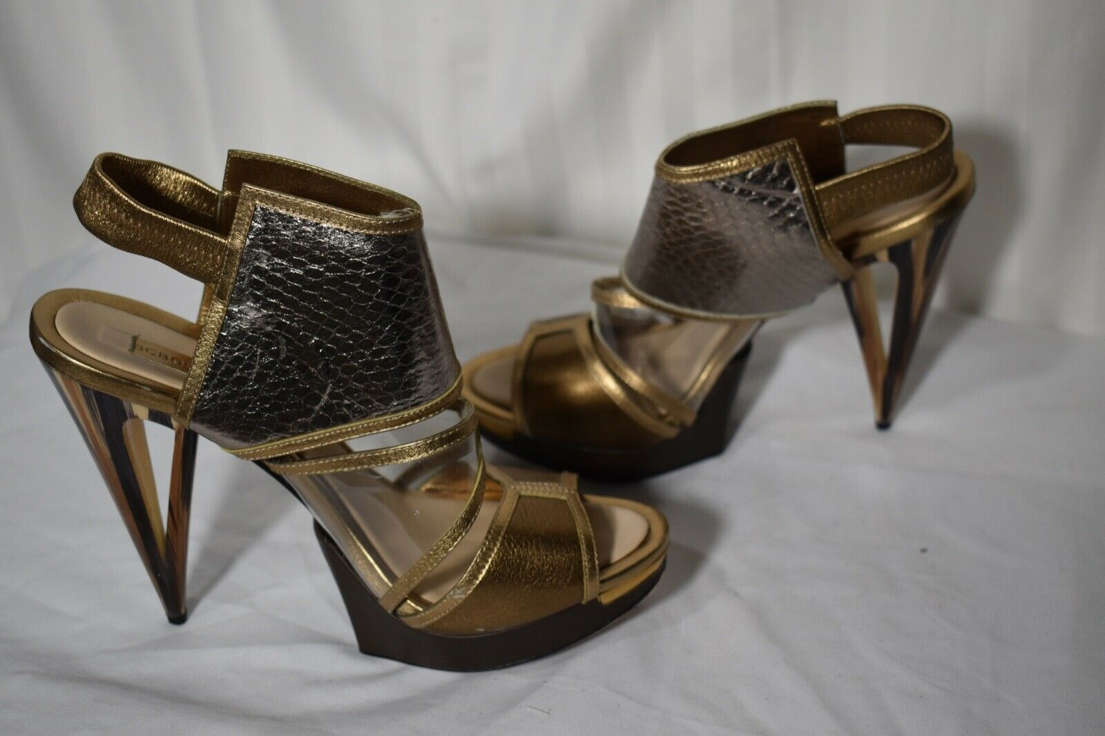 BCBG Maxazria runway gold clear straps high heel sandals size 9i