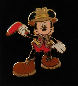 Disney-Pin-DLR-2001-International-Mickey-Series-7-of-12-outback-gear-Australian
