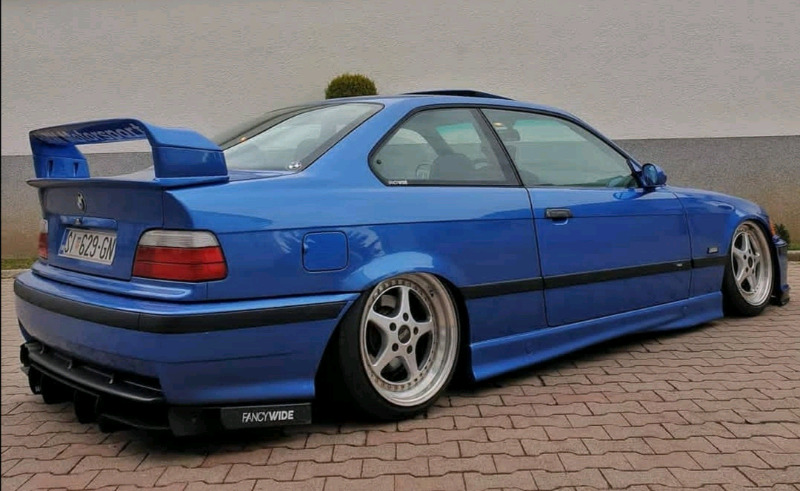 Boot spoiler Subaru style