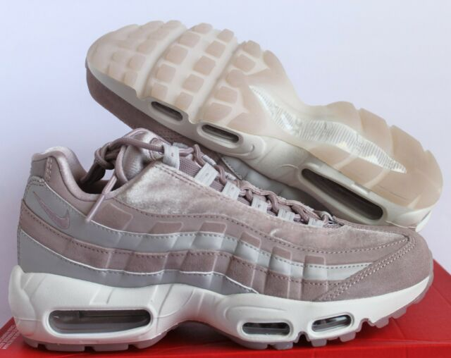outlet store 4cb7b b52a7 Nike Air Max 95 LX Velvet Particle Rose/vast Grey/summit White A1103600