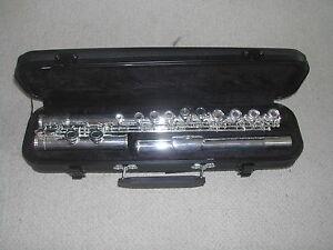 Flute-en-ut-034-Nautile-034-neuve-avec-etui-garantie-2-ans-etui-flute