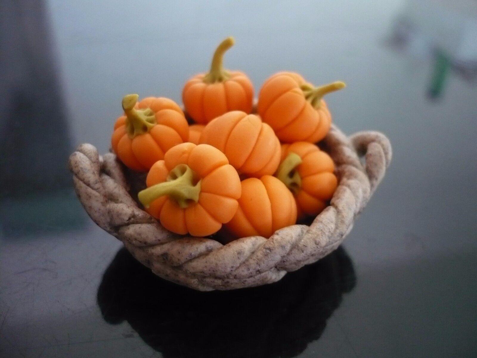 10 Pumpkins on Ceramic Basket  Dollhouse Miniatures Fruit Vegetable Halloween