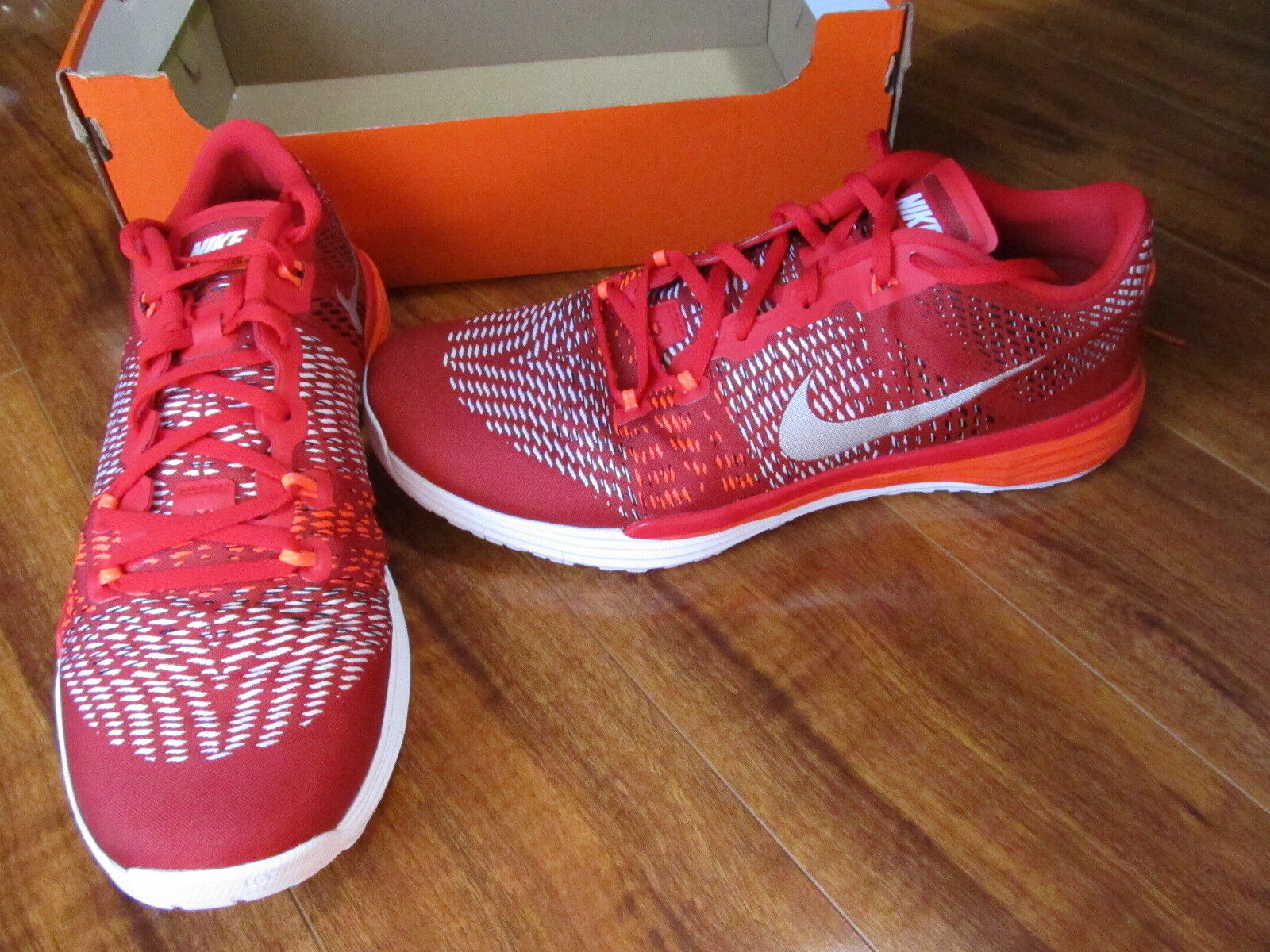 NEW NIKE Lunar Caldra Athletic Shoes MENS 11.5  Red/White 160.