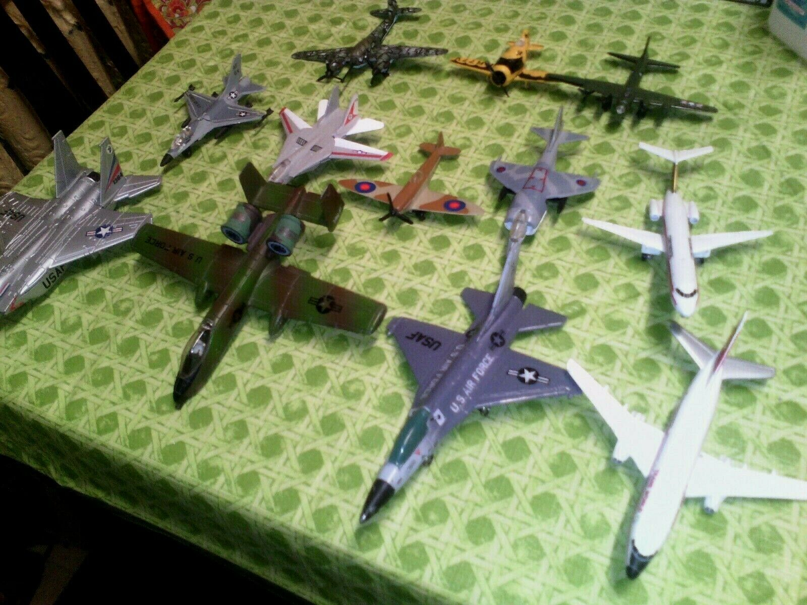 Lot of 12 Various Aircraft Jets Planes  VERY GOOD CONDITION