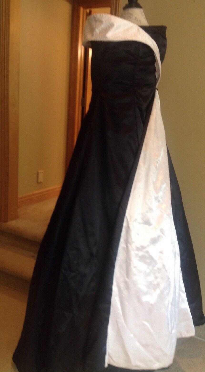 A line black taffeta/white beaded evening gown train Ladies Size 16w empire