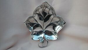 VINTAGE-RARE-WMF-OF-GERMANY-A-SMALL-METAL-LEAF-DESIGN-BON-BON-TRAY-IN-GOOD-COND