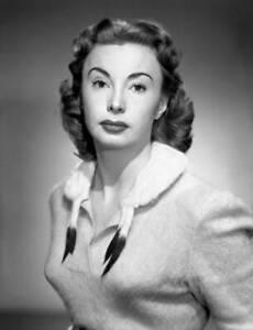 OLD-CBS-RADIO-TV-PHOTO-Audrey-Meadows-on-the-TV-show-The-Honeymooners-1952-2